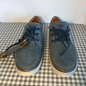 ECCO man's sneakers leather blue NWOT new size 9